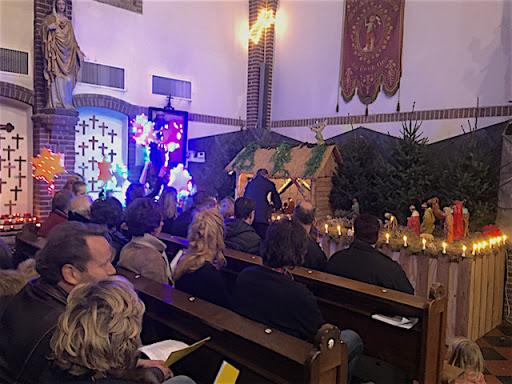 De kerststal in de Balgoyse Johannes de Doperkerk